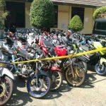 Puluhan sepeda motor knalpot brong yang di tahan di mapolres pacitan